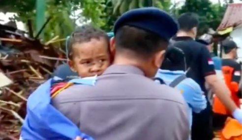 Budak 5 Tahun Terperangkap 12 Jam Dalam Runtuhan Tsunami
