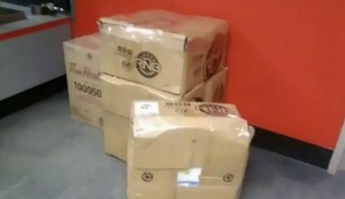 Kucing Dipos Sejauh 1,126km Tidak Sengaja Masuk Dalam Kotak