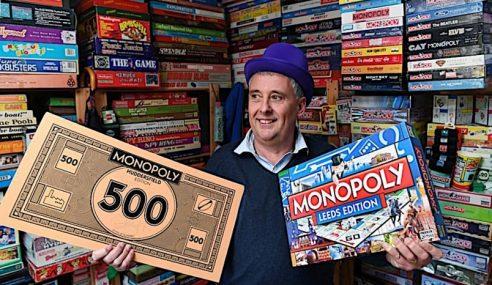 Pemandu Teksi Kumpul 400 Set Monopoli
