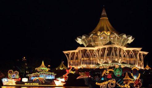 Datang Awal Ke Sambutan Ambang Tahun Baharu Di Kuching Waterfront