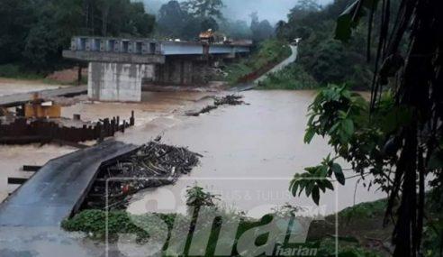 Jambatan Sementara Sg Nenggiri Tidak Boleh Dilalui Akibat Hujan