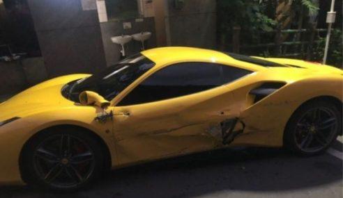 Remaja Dapat Wang Derma Selepas Rempuh 4 Ferrari