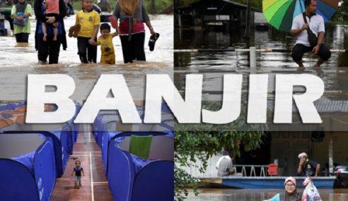 """50 Penduduk Terjejas """"Banjir Termenung"""" Di Pasir Mas Terima Kit Makanan"""
