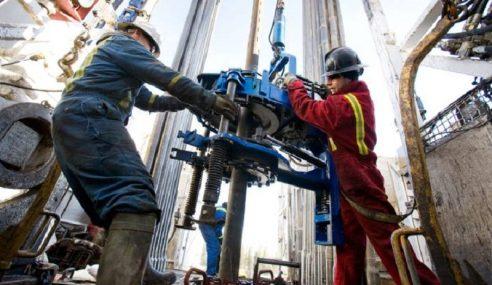 Pengambilan Pekerja Sektor Minyak & Gas Meningkat Pada Oktober