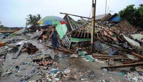 Banjir Sukarkan Bantuan Mangsa Tsunami Selat Sunda