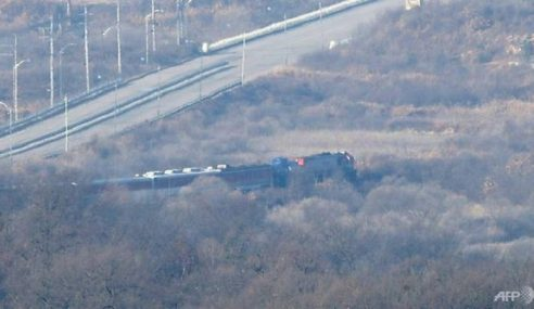 Tren Korea Selatan Masuki Korea Utara Julung Kali