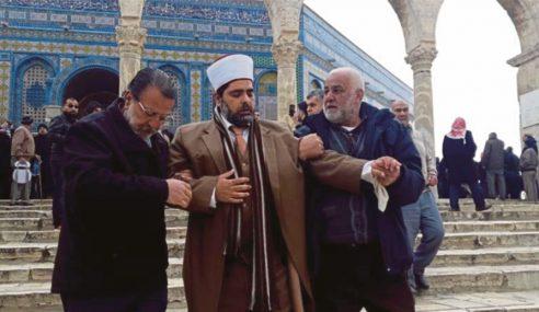 Masjidil Al-Aqsa Dikepung Polis Israel