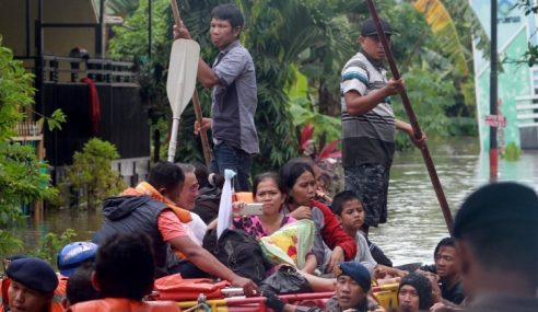 Banjir Buruk Sulawesi Selatan Korbankan 21 Nyawa