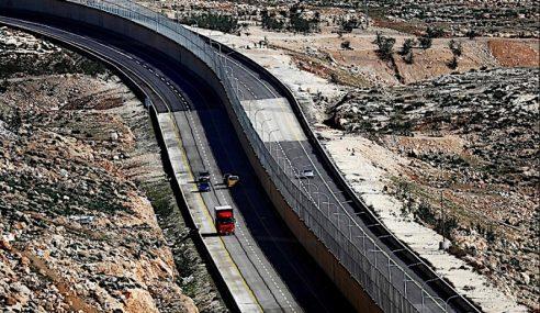 Israel Bina Tembok 'Apartheid' Di Jalan Palestin