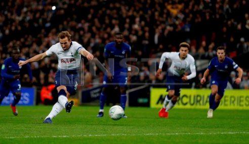 Penalti VAR Kane Tumbangkan Chelsea
