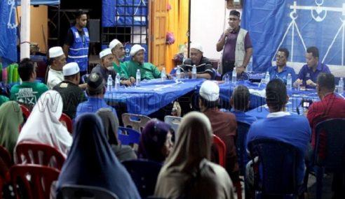 PRK: UMNO, PAS Kempen Bersama Di Felda