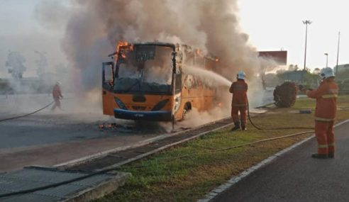 38 Murid Cemas Bas Sekolah Terbakar