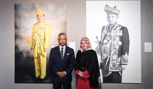 YDP Agong Saksikan Pameran 'The Monarch'