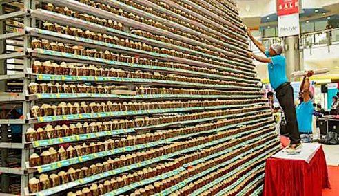 Bina Menara Guna 18,000 Kek Cawan