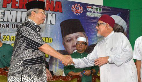 """UMNO, PAS Takkan 'Kahwin', Sama-Sama Anak Jantan"""