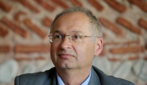 Kesal Curi Sandwic, MP Slovenia Letak Jawatan