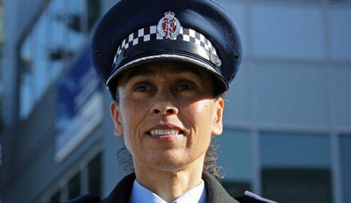 """Saya Bangga Menjadi Seorang Muslim"" – Pegawai Polis NZ"