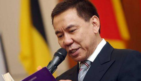 Sultan Kelantan Tarik Darjah Kebesaran Annuar Zaini