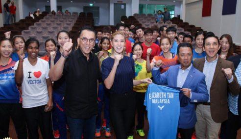 Lizzy Bantu Promosi Muka Baharu Skuad Badminton