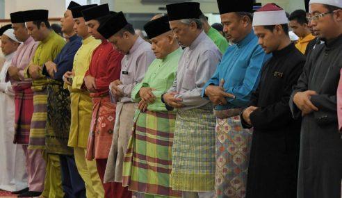 Agong Solat Jumaat Di Masjid Saidina Umar Al-Khattab