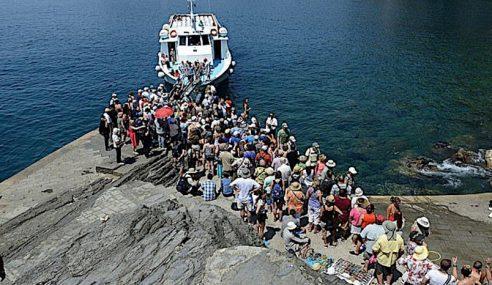 Pelancong Dilarang Guna Selipar Di Pantai Popular Itali