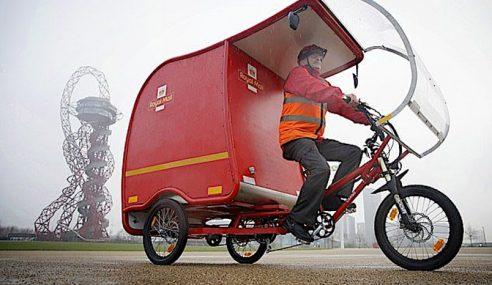 Posmen Royal Mail Guna Trisikal Di Britain