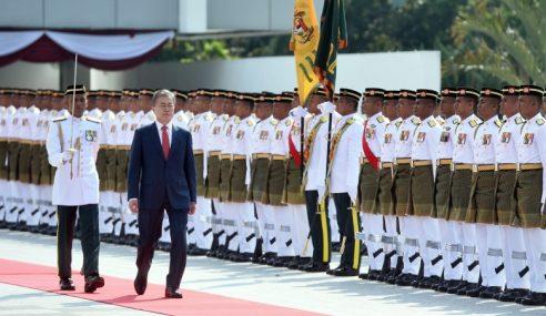 Presiden Korea Selatan Diberi Sambutan Negara
