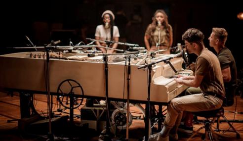 20 Bunyi Alat Muzik Dalam Sebuah Piano Lama