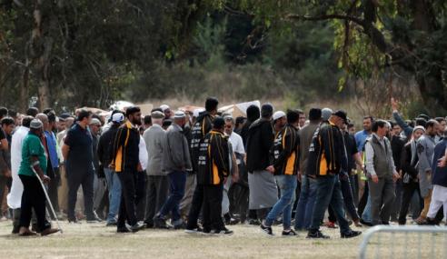 Pengebumian Pertama Mangsa Keganasan Di NZ