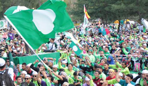 Nazri Minta Maaf Kepada PAS, Orang Melayu