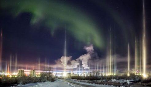 Fenomena Cahaya Menegak Terangi Langit Di Rusia