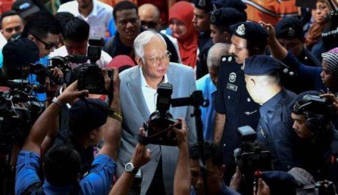 Sinonim Tanggal 3 April Terhadap Najib