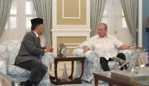 Sultan Ibrahim Terima Menghadap Osman Sapian