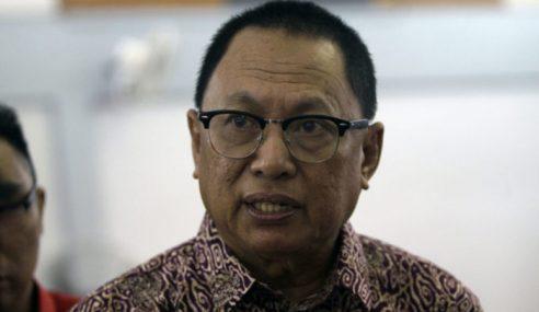 KJ Ketinggalan Kapal, Iri Hati Populariti Najib