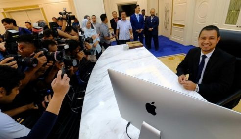 Sahruddin Mula Tugas MB Johor Secara Rasmi