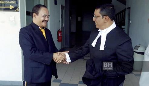 Mahkamah Tinggi Kekalkan 'Sultan Melaka' Bebas