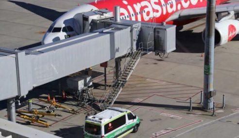 Bayi 2 Bulan Meninggal Dunia Dalam Pesawat AirAsia