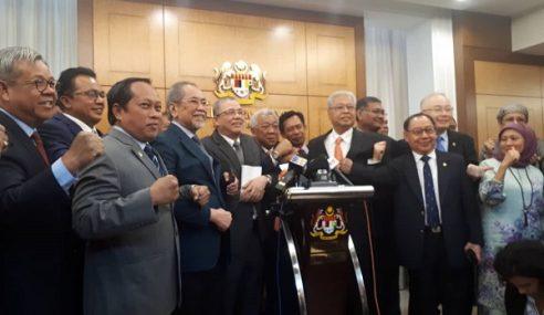 Desak Tangguh RUU Ubah Status Sabah, Sarawak