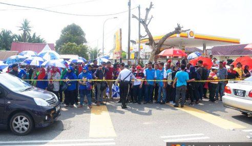 Penyokong PH, BN Hampir Bertumbuk Di Rantau