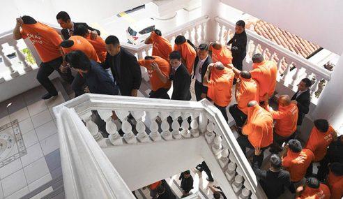 9 Penguat Kuasa Didakwa 164 Pertuduhan Rasuah