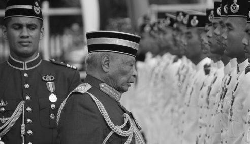 Sultan Ahmad Shah Raja Disenangi Rakyat