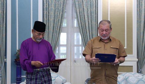 Sultan Johor Bayar Zakat RM5 Juta, Wakaf Tanah