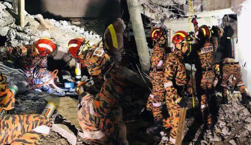 2 Cedera, Seorang Terperangkap Runtuhan Di LRT Putra