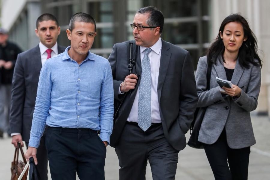 Peguam Roger Ng Terima 1 Juta Dokumen Kes 1MDB