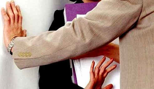 Ahli Parlimen PKR Buat Gangguan Seks Bekas Pegawai