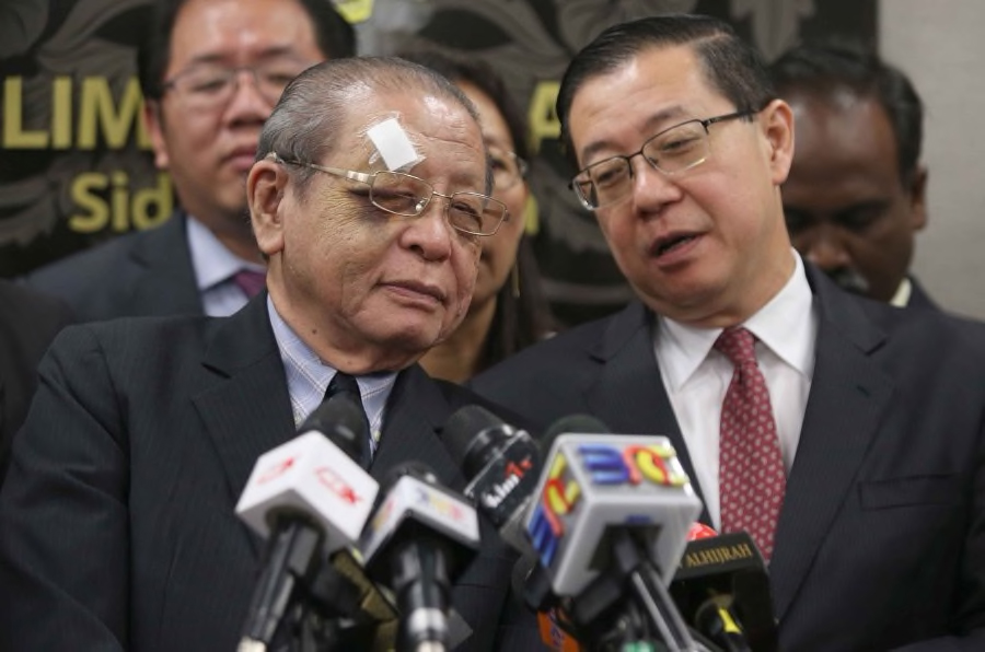 BN Tak Angkuh, Najib Jawab 'Pukulan Mati' Kit Siang