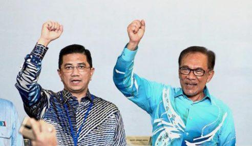 Anwar Berdepan Pertuduhan Politik – Azmin