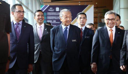 Perlucutan Hak Sivil Bukan Bankrapkan UMNO – Mahathir