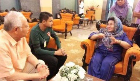 Pemuda Tampil Mohon Maaf Kepada Najib, Rosmah