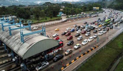 Aliran Trafik Lebuh Raya Utama Perlahan Pagi Ini